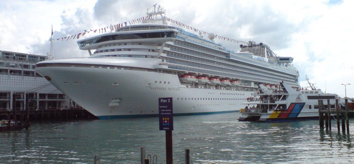 cruise ship tour