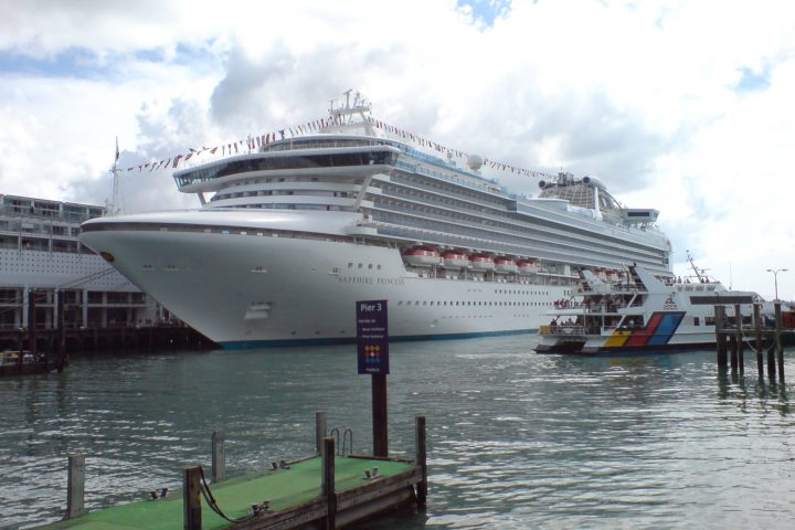 cruise ship tour